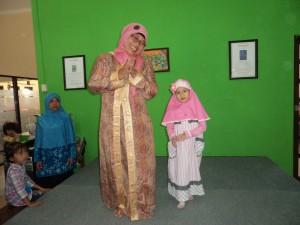 Fashion show bersama orangtua