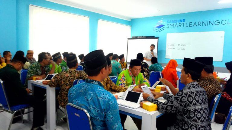 Studi Tour Komunitas Smart Madrasah Banyuwangi